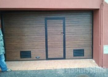 Puerta-Seccionalportico-Imit.-madera